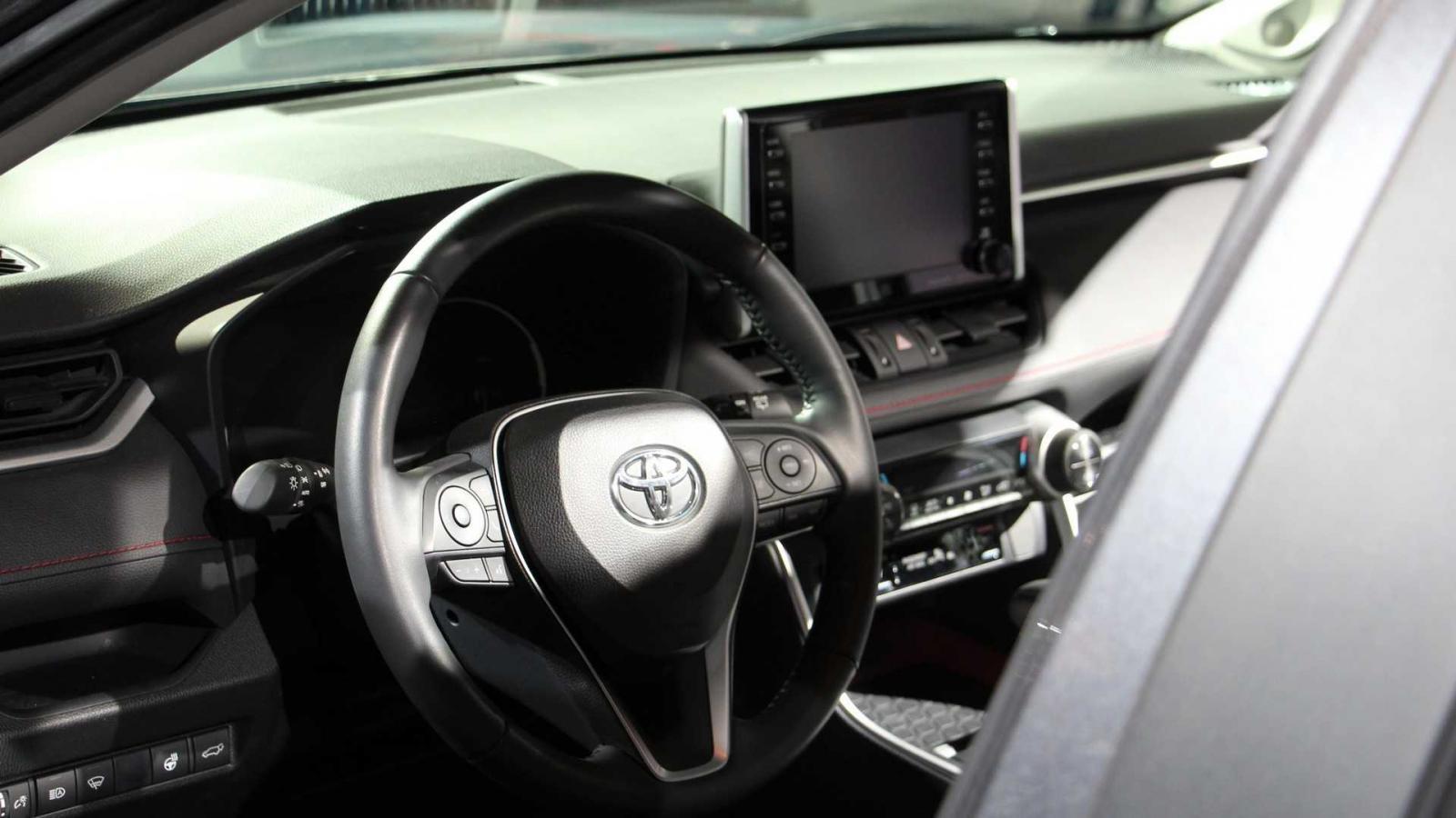 Nội thất bên trong Toyota RAV4 TRD Off-Road 2020
