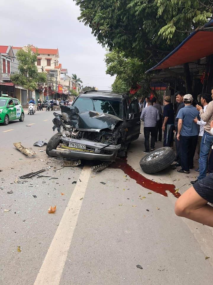 Chiếc Toyota Land Cruiser đời cũ bị hỏng nặng