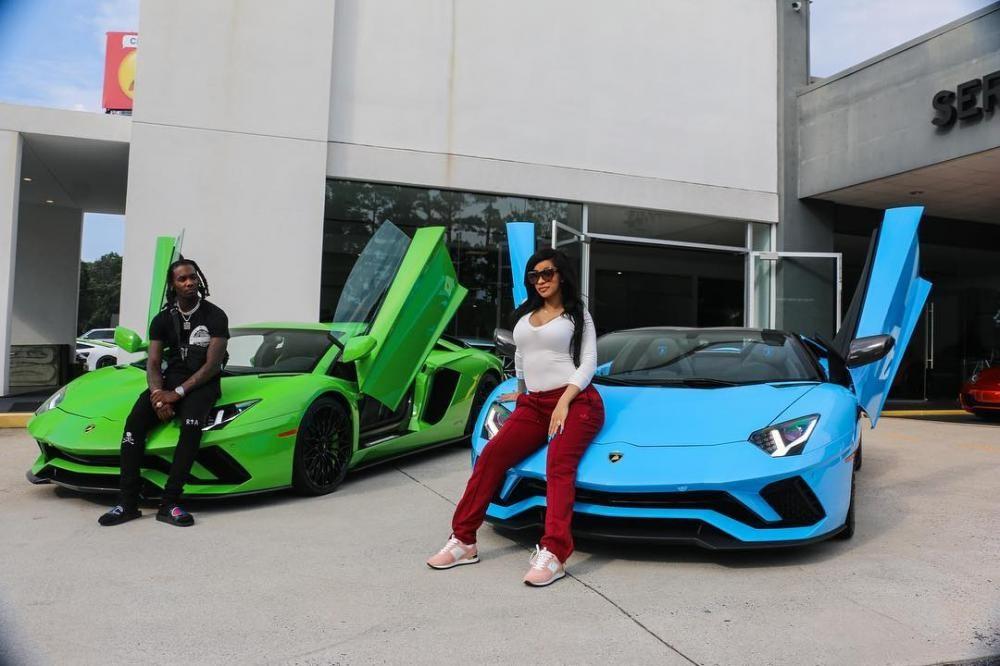 Cũng trong năm 2018, nữ rapper Cardi B tậu cho mình siêu xe Lamborghini Aventador S LP740-4 Roadster