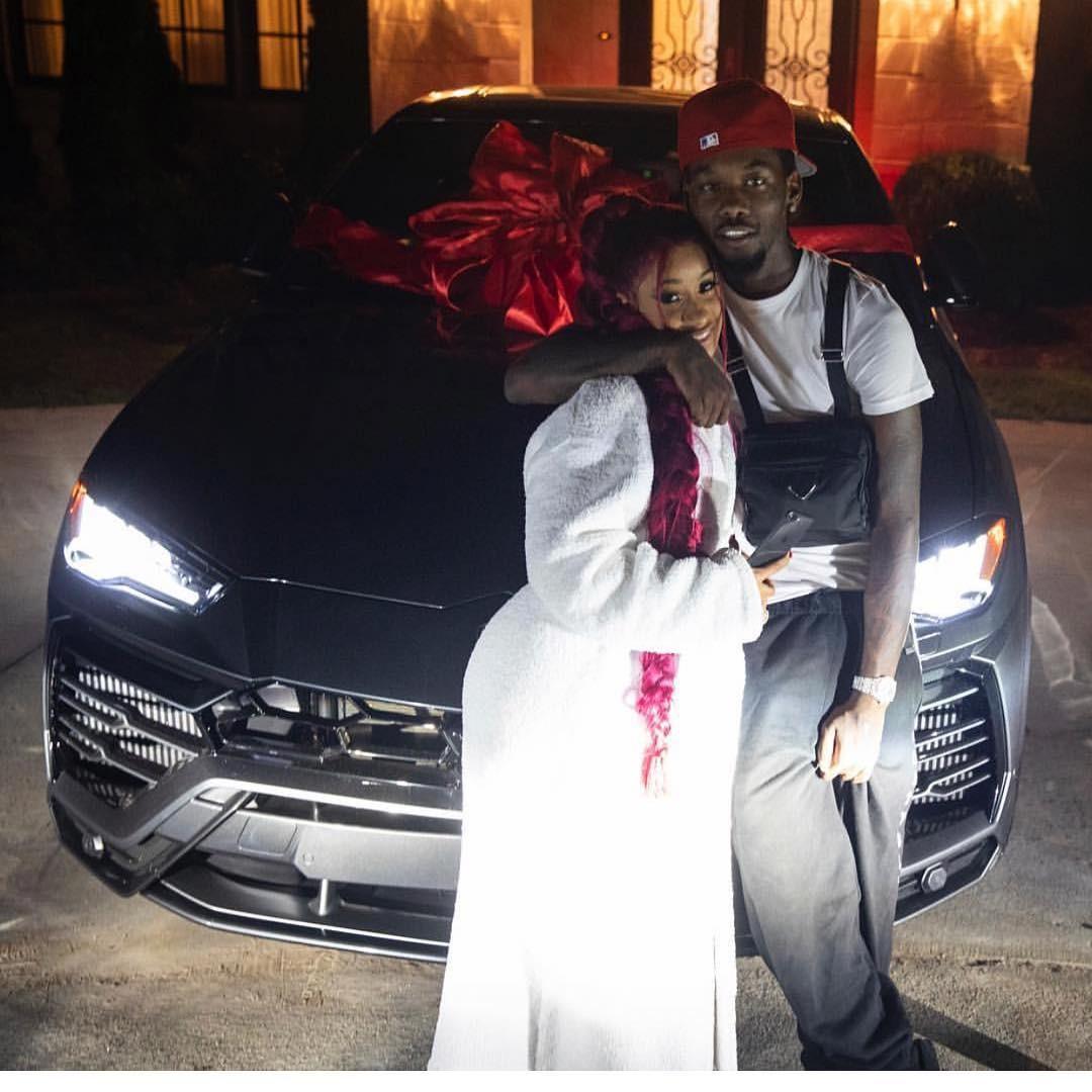 Nữ rapper Cardi B được vị hôn phu rapper Offset tặng cho chiếc siêu SUV vạn người mê <a class=