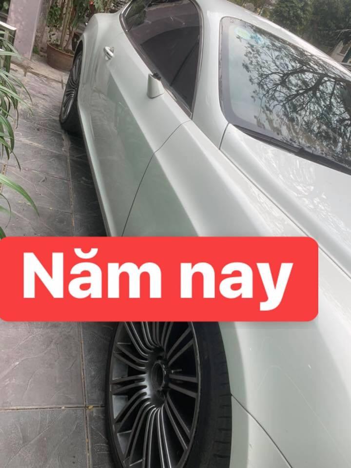 Không chỉ vặt gương, kẻ gian còn tháo cả logo Bentley ở 4 bánh xe