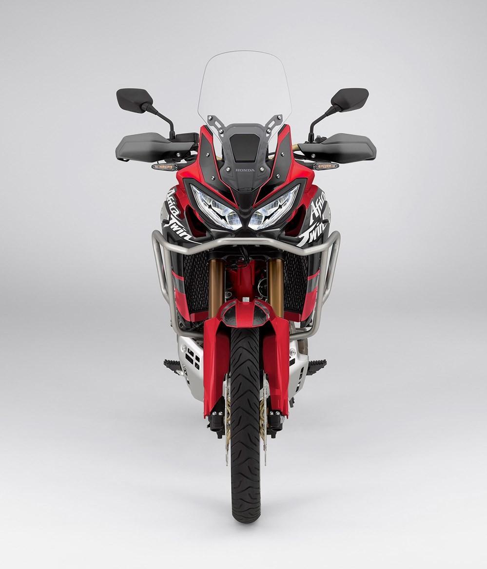 Các trang bị như bảng đồng hồ, công nghệ hỗ trợ sẽ được bổ sung cho chiếc Adventure của Honda vào năm 2020