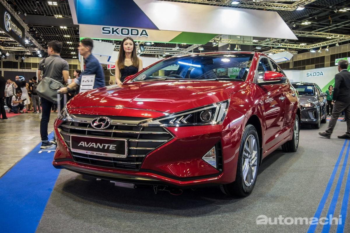 Hyundai Elantra 2019 lần đầu ra mắt tại thị trường Mỹ vào tháng 8/2018 sau đó đá nhanh chóng có mặt tại khu vực Đông Nam Á cụ thể hơn là Singapore vào tháng 1/2019 vừa qua
