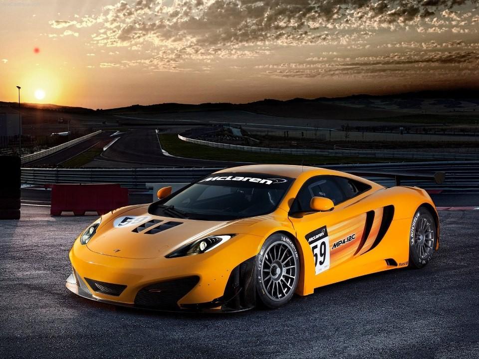 Cận cảnh vẻ đẹp của 1 chiếc siêu xe dành cho đường đua McLaren MP4-12C GT3