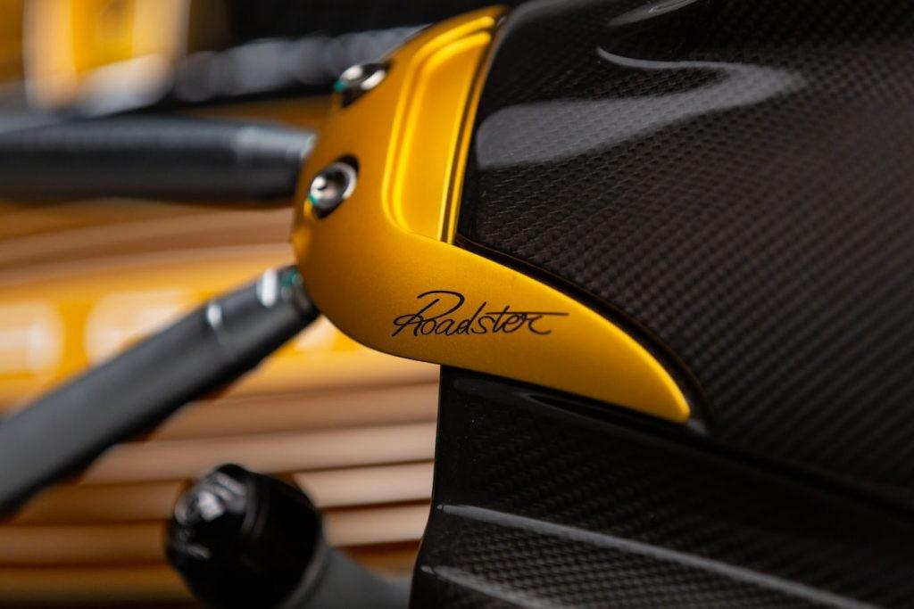 Pagani Huayra Roadster chỉ có đúng 100 chiếc sản xuất trên toàn thế giới