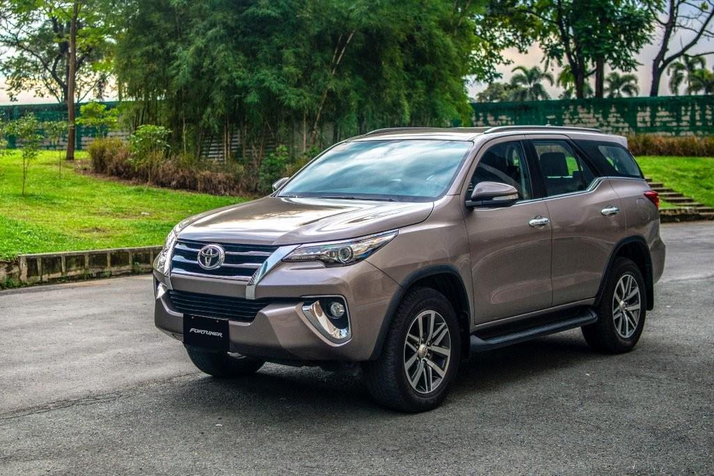 Toyota Fortuner có giá niêm yết từ 1,308 tỷ đến 1,354 tỷ đồng cho 5 phiên bản