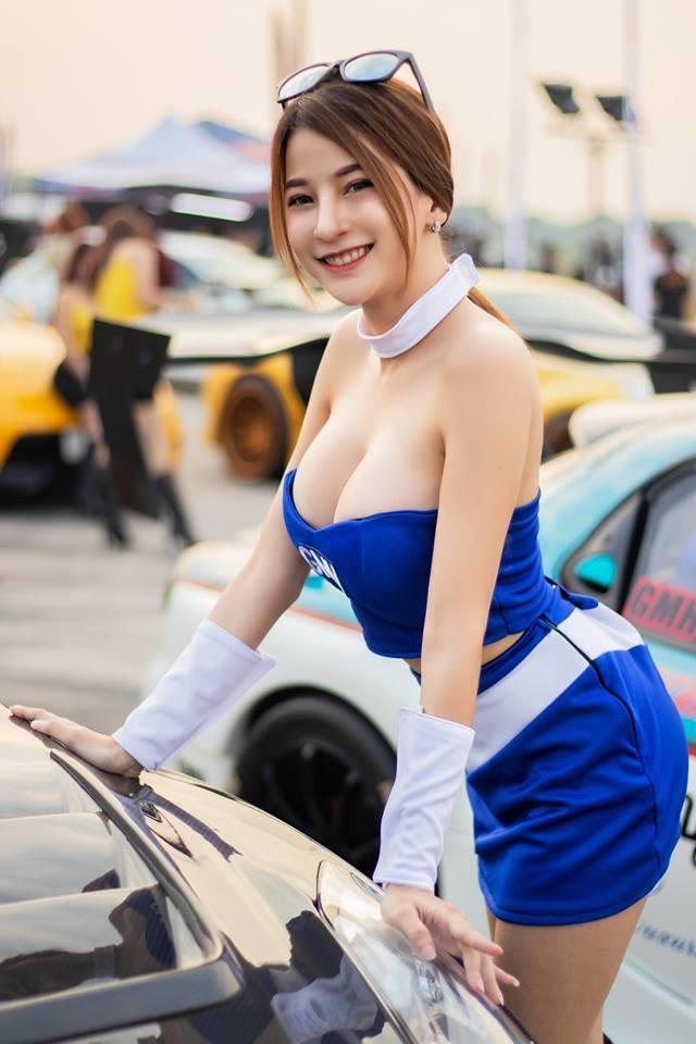 Nuốt nước bọt trước vẻ nóng bỏng của các người mẫu xe Thái Lan - 10