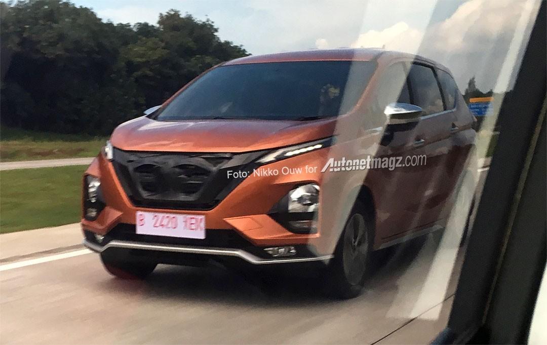 Thiết kế đầu xe thay đổi một chút so với Mitsubishi Xpander của Nissan Grand Lavina 2019