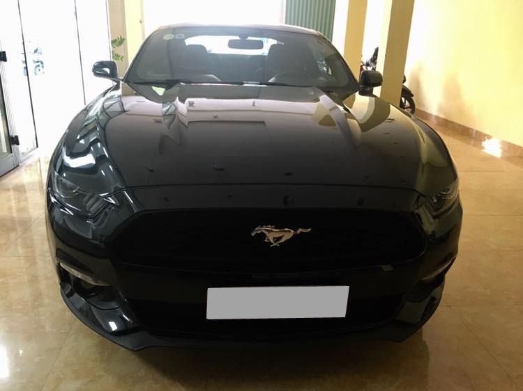Chiếc xe Ford Mustang 2015 tại Huế đã được chủ nhân sửa và thay mới toàn bộ đầu xe