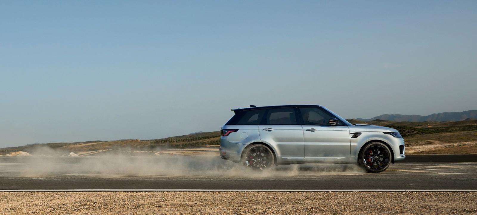 Động cơ giúp Range Rover Sport HST 2019 giảm lượng khí thải CO2