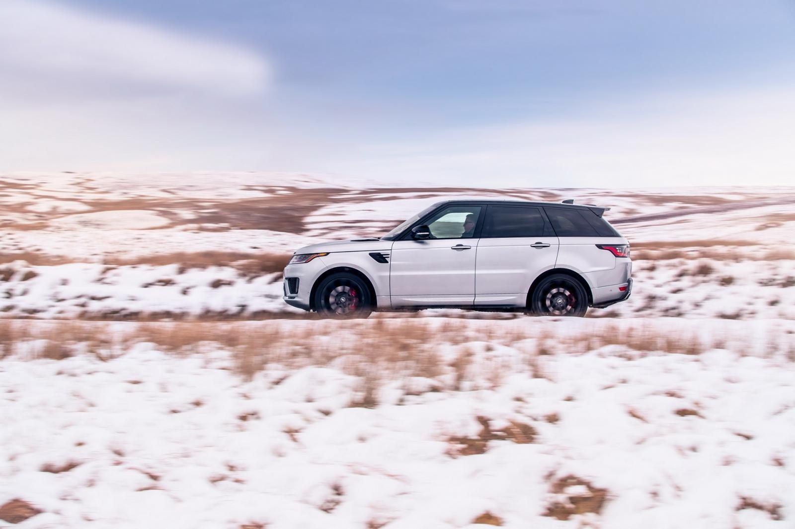 Range Rover Sport HST 2019 được trang bị 2 loại vành khác nhau