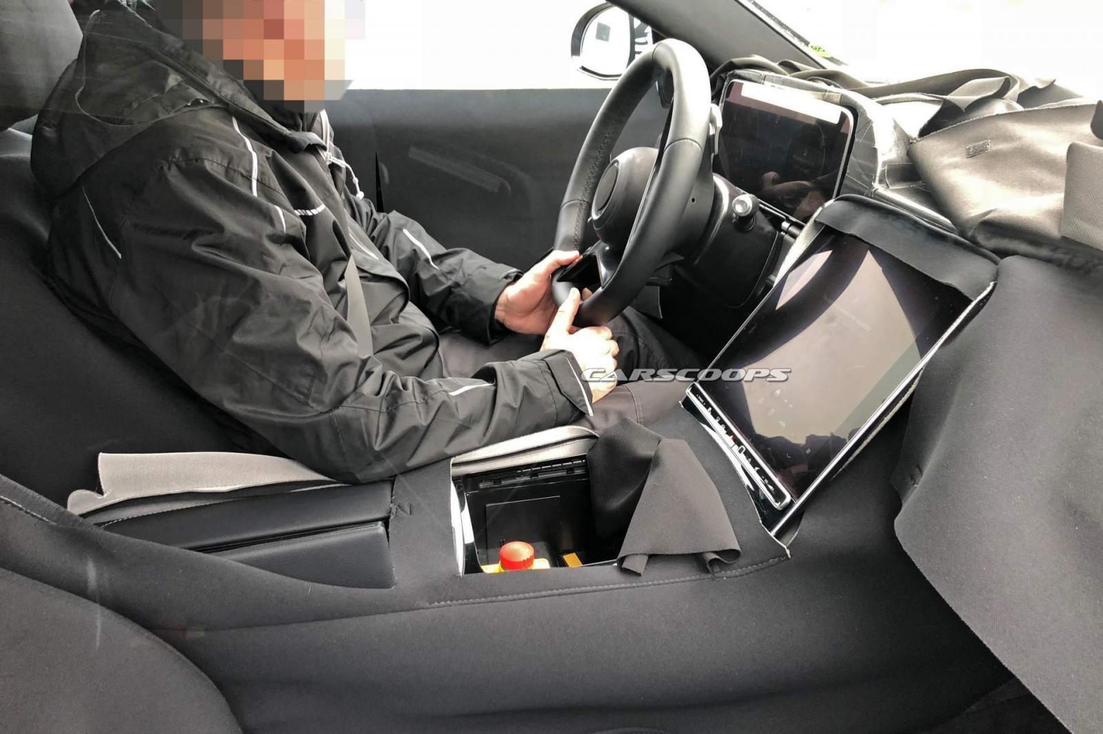 Hình ảnh chụp nội thất của Mercedes-Benz S-Class 2020 trên đường thử