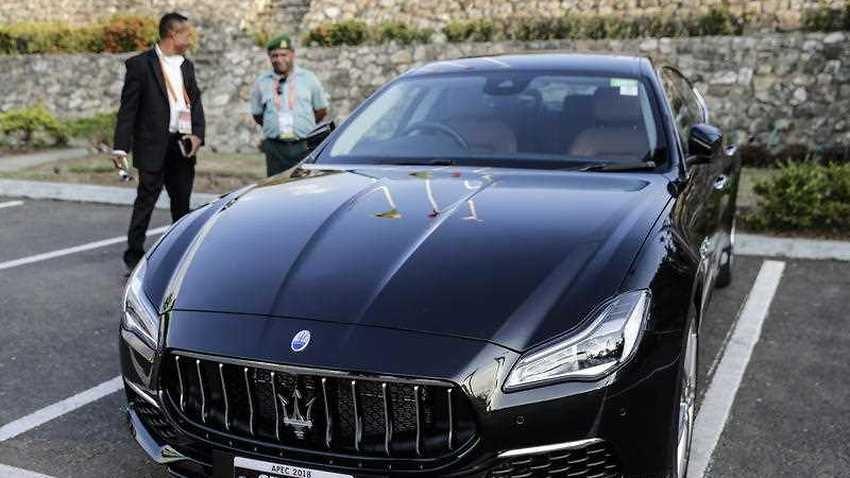 Một chiếc Maserati Quattroporte đeo biển APEC 2018 tại Papua New Guinea