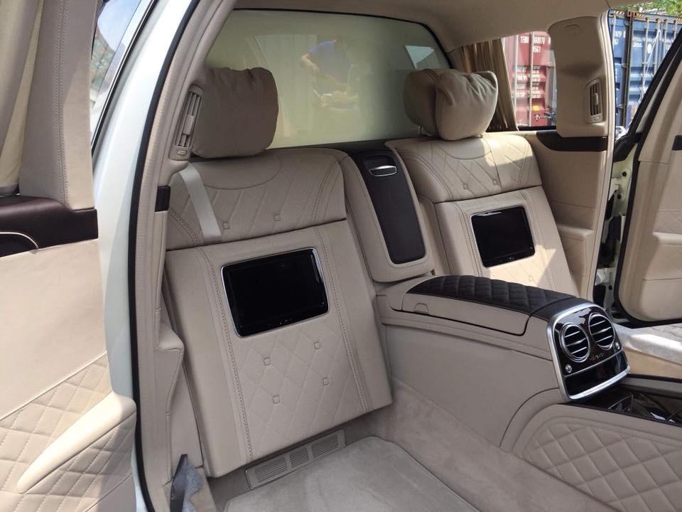 Nội thất của Mercedes-Maybach S600 Pullman đầu tiên Việt Nam