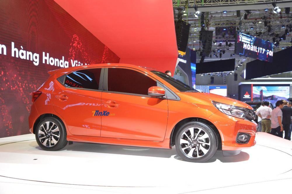 Tại thị trường Indonesia, Honda Brio sở hữu phanh chống bó cứng ABS, phân bổ lực phanh điện tử EBD và 2 túi khí an toàn.