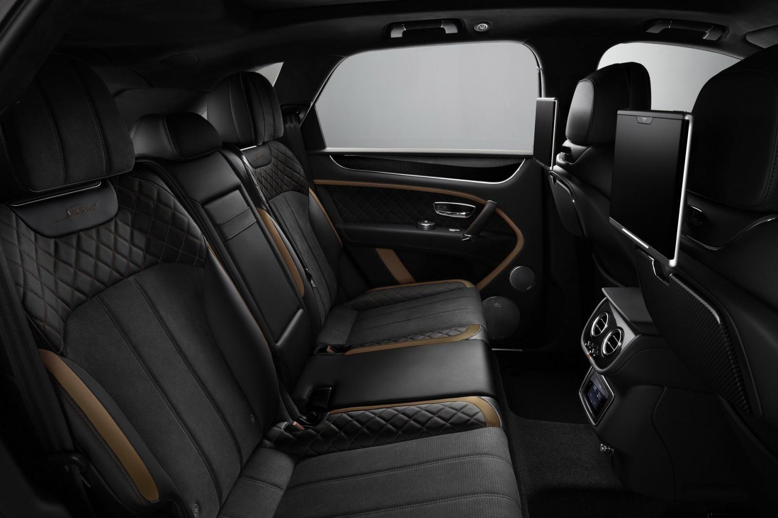 Hàng ghế sau của Bentley Bentayga Speed 2019