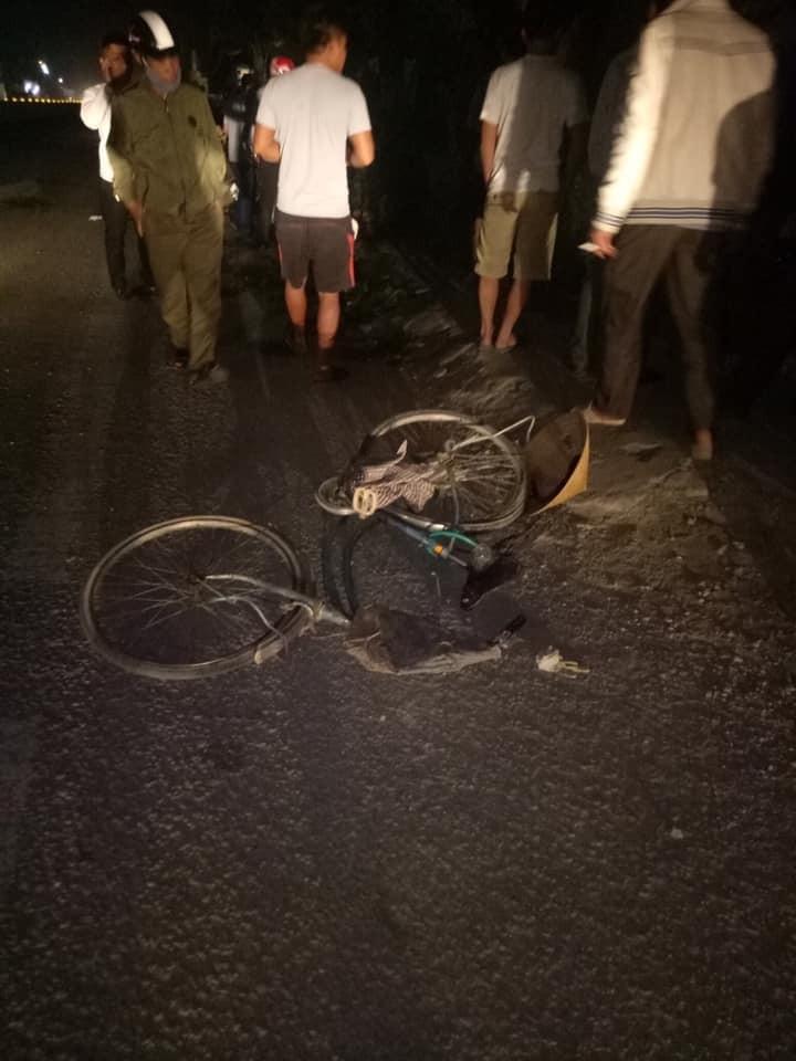 Chiếc xe đạp bị biến dạng sau vụ tai nạn