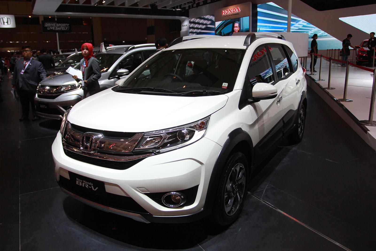 Tuy nhiên, phân khúc MPV giá rẻ trong năm nay hứa hẹn sẽ đầy sôi động bởi sự xuất hiện của Honda BR-V, thời điểm ra mắt chưa được hãng công bố