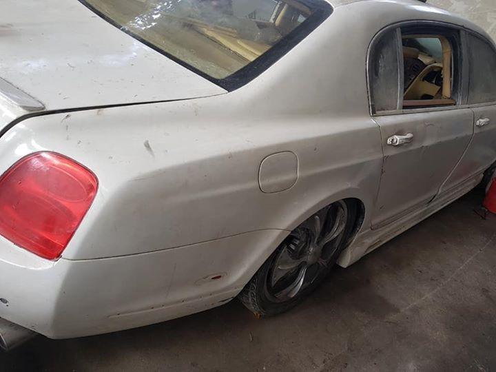Phuộc hơi của xe cũng bị hư hỏng