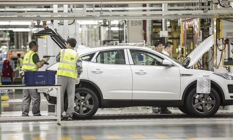 Hình ảnh ở nhà máy lắp ráp Jaguar Land Rover ở Trung Quốc.