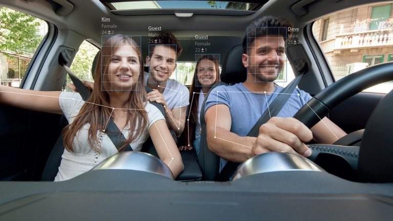 CabinSense củaEyesight Technologies có thể nhận dạng chi tiết mọi người ngồi trên xe