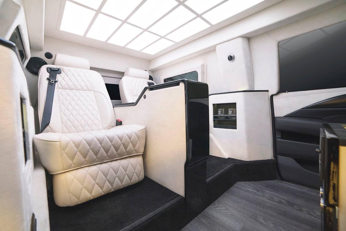 Ghế bọc da, sưởi ấm, làm mát, mát-xa của Cadillac Escalade Chairman Package 2019