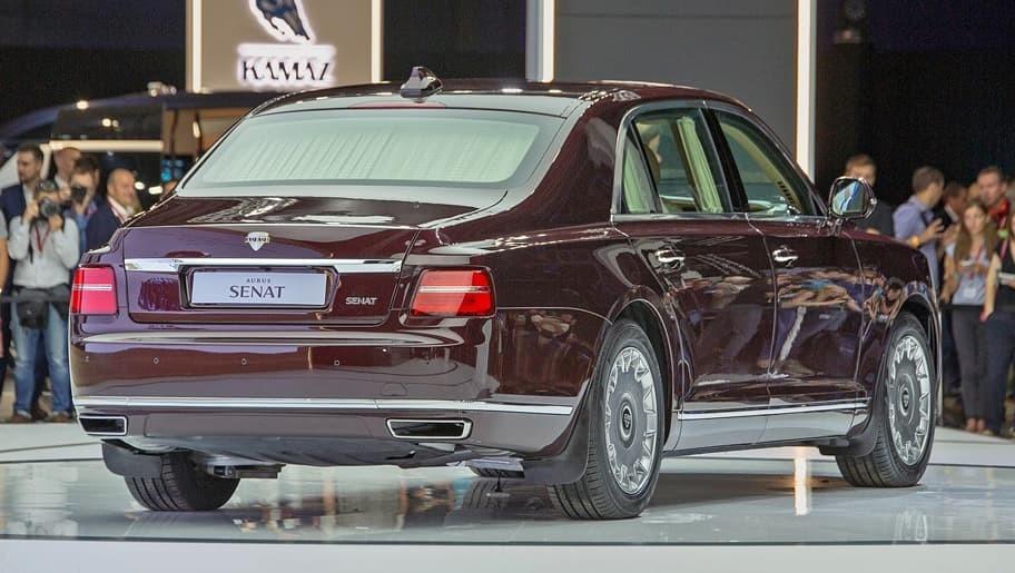 Aurus Senat được trang bị hệ thống động cơ hybrid