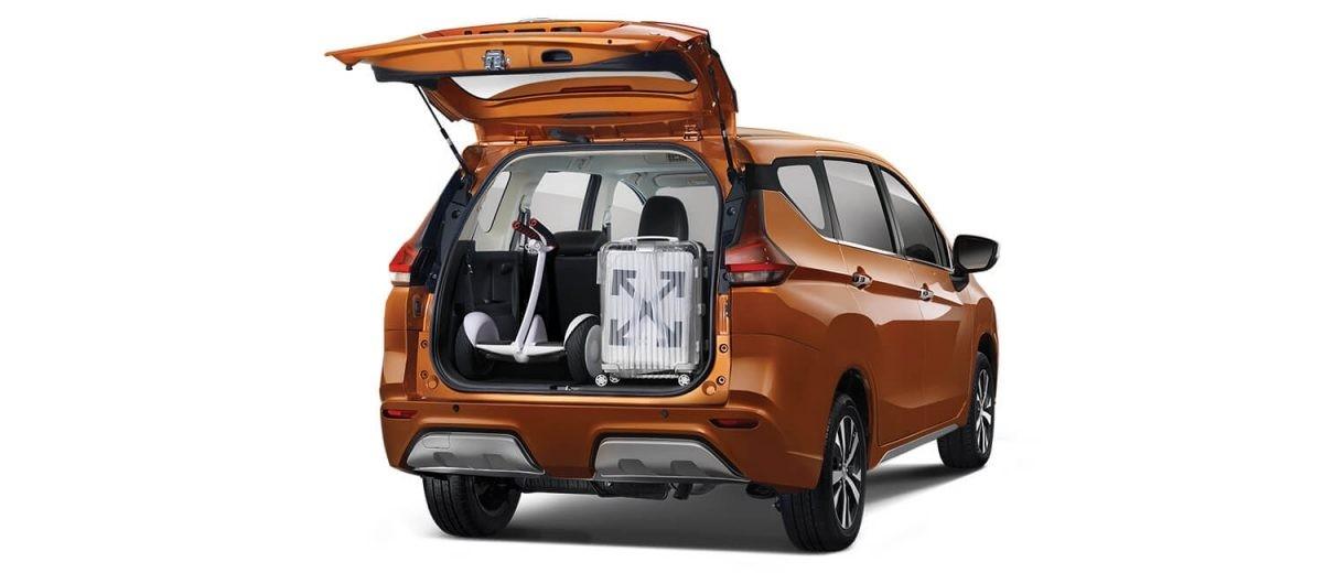 Khoang hành lý phía sau của Nissan Livina 2019