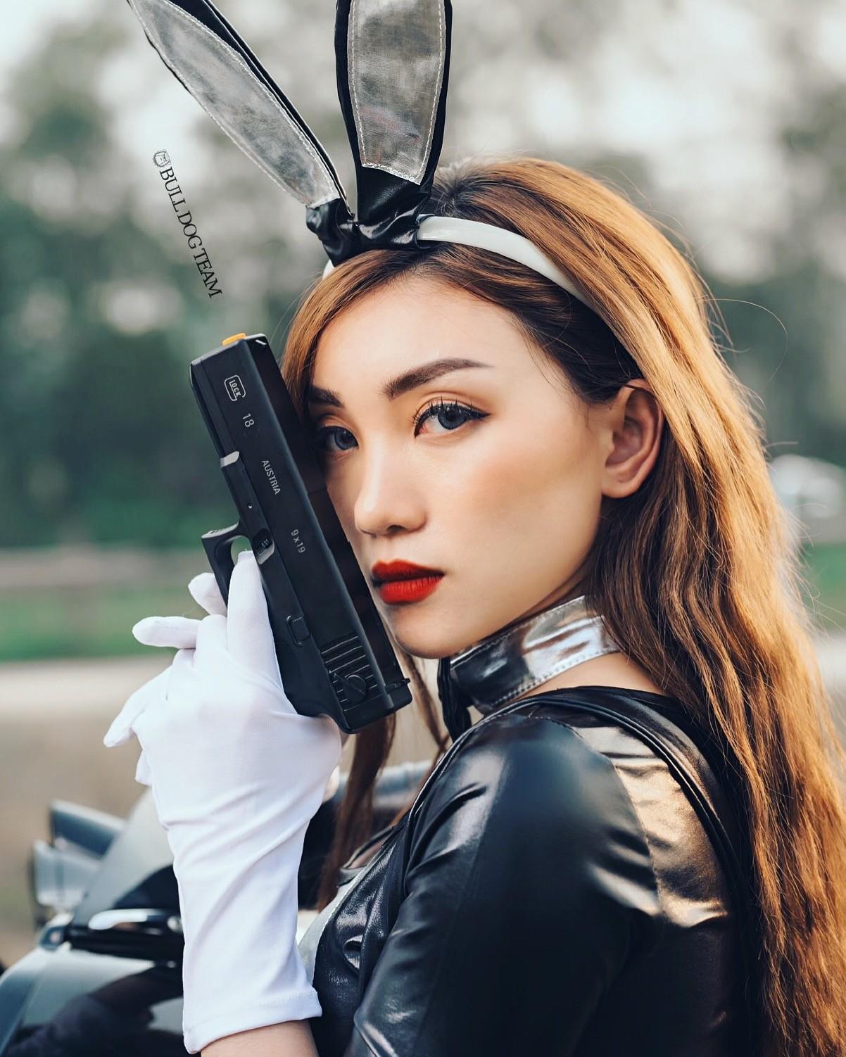 """Nữ chiến binh Thỏ so kè độ nóng bỏng với """"xế nổ"""" Harley-Davidson - 11"""