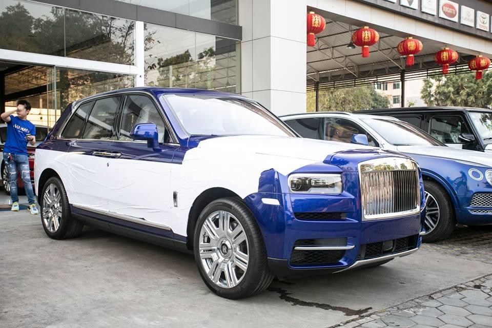 Chiếc SUV siêu sang Rolls-Royce Cullinan thứ 4 cập bến Campuchia có màu sơn xanh Salamanca