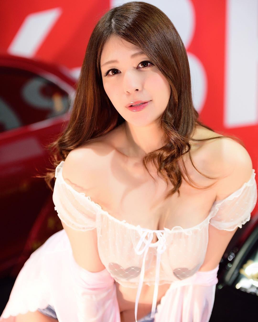 Thỏa mắt nhìn ngắm các người mẫu Nhật Bản xinh đẹp ở Osaka Auto Messe 2019 - 4