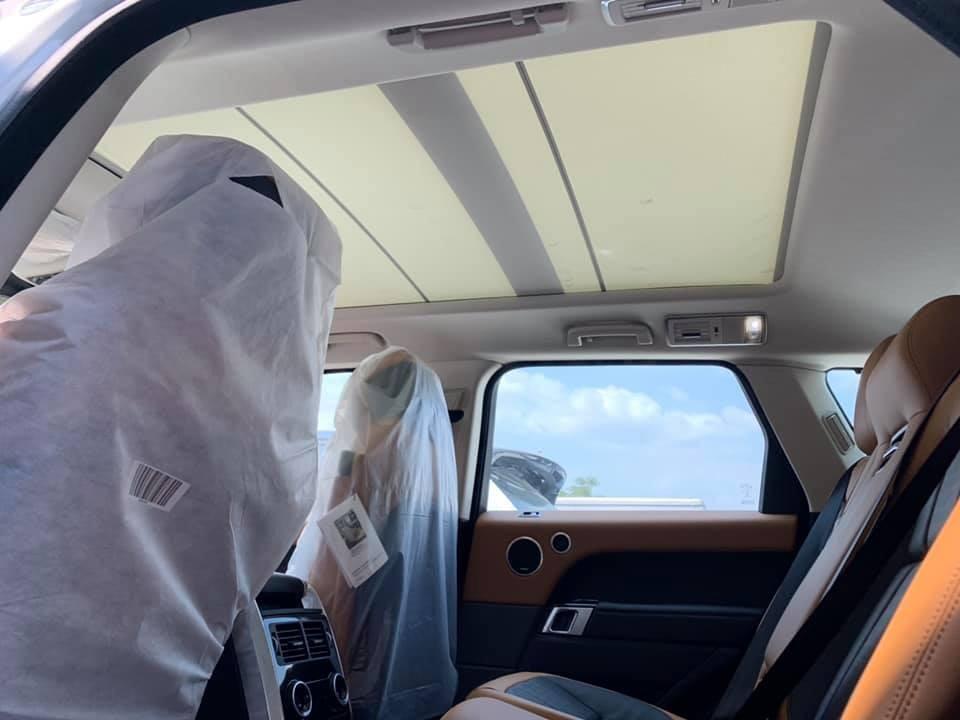 Mẫu SUV hạng sang này được trang bị cửa sổ trời rộng