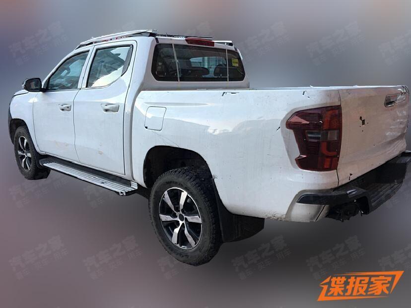 Xe bán tải mới của Peugeot bị bắt gặp trên đường chạy thử tại Trung Quốc