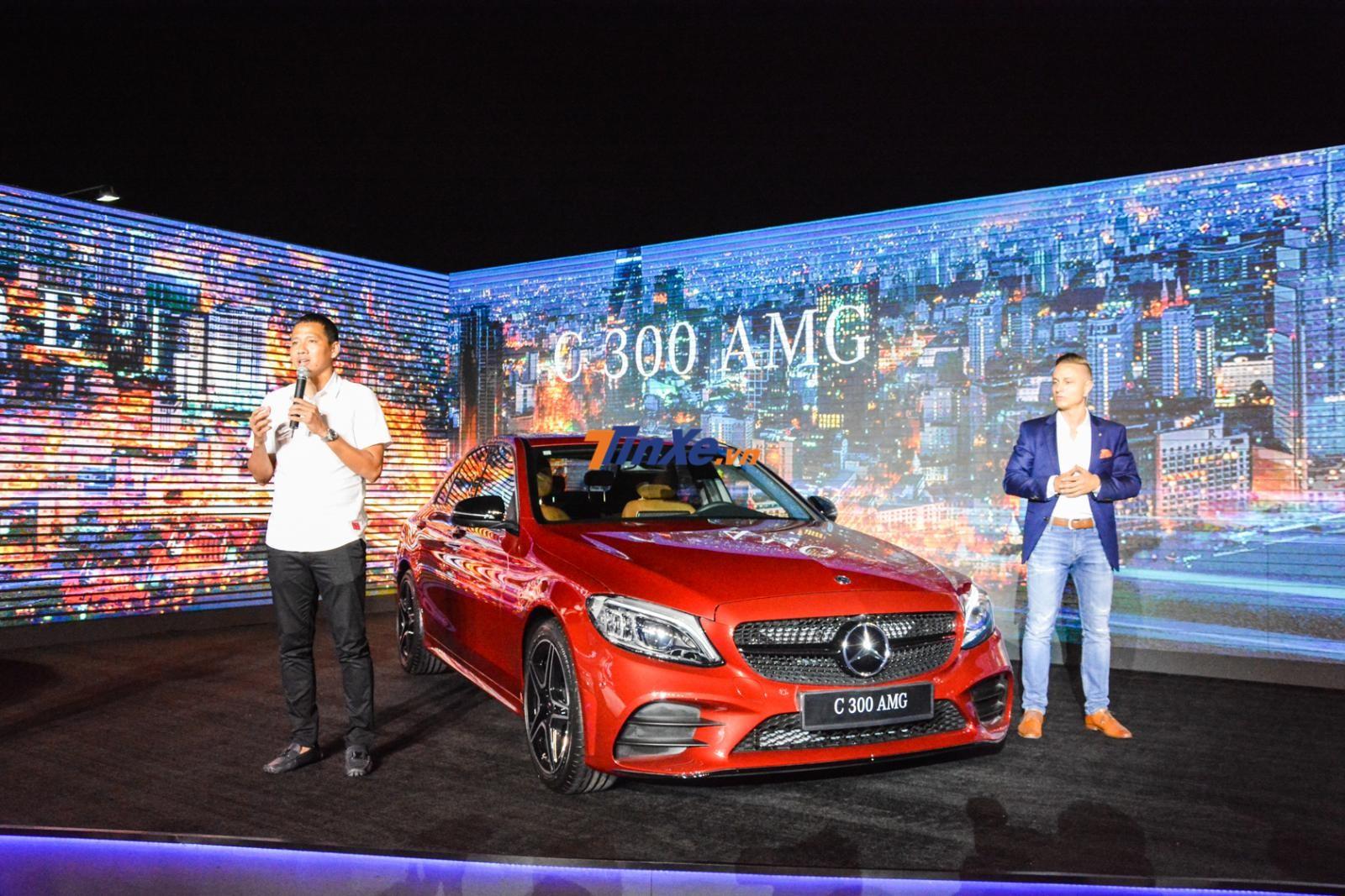 Tiền đạo Anh Đức cũng có mặt trong buổi giới thiệu Mercedes-Benz C-Class 2019 tại Việt Nam