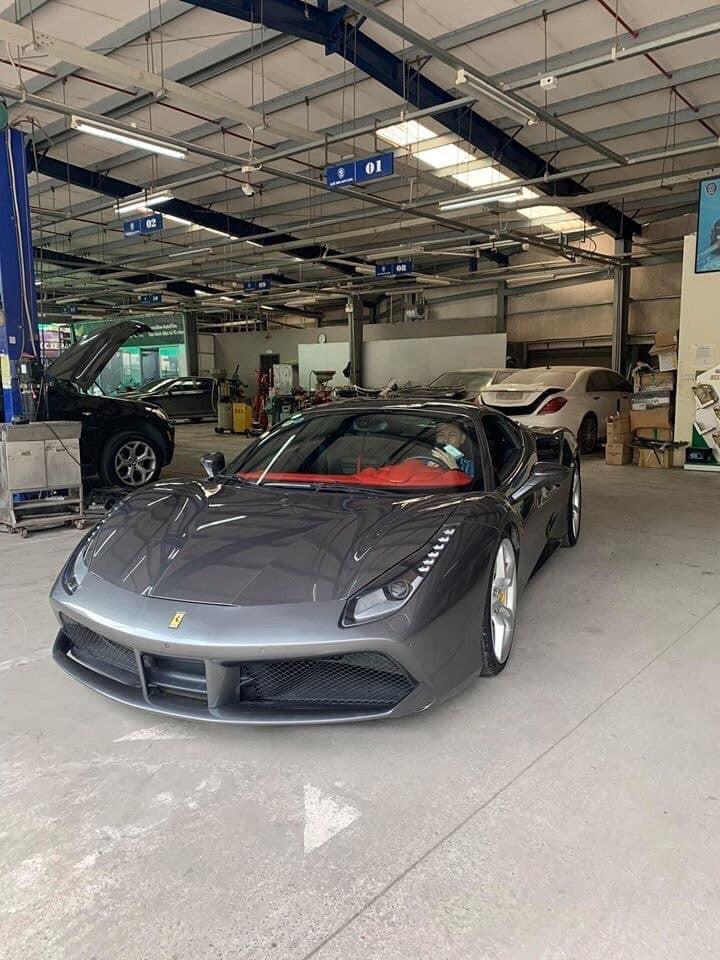 Siêu xe Ferrari 488 GTB từng qua tay Cường Đô la tiếp tục được rao bán