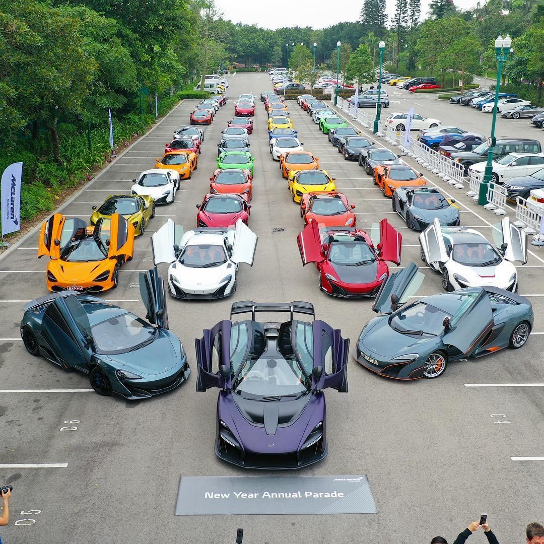 Ước tính có không dưới 100 chiếc siêu xe McLaren tham dự vào sự kiện chào đón chiếc McLaren Senna thứ 2 xuất hiện ở Hương Cảng