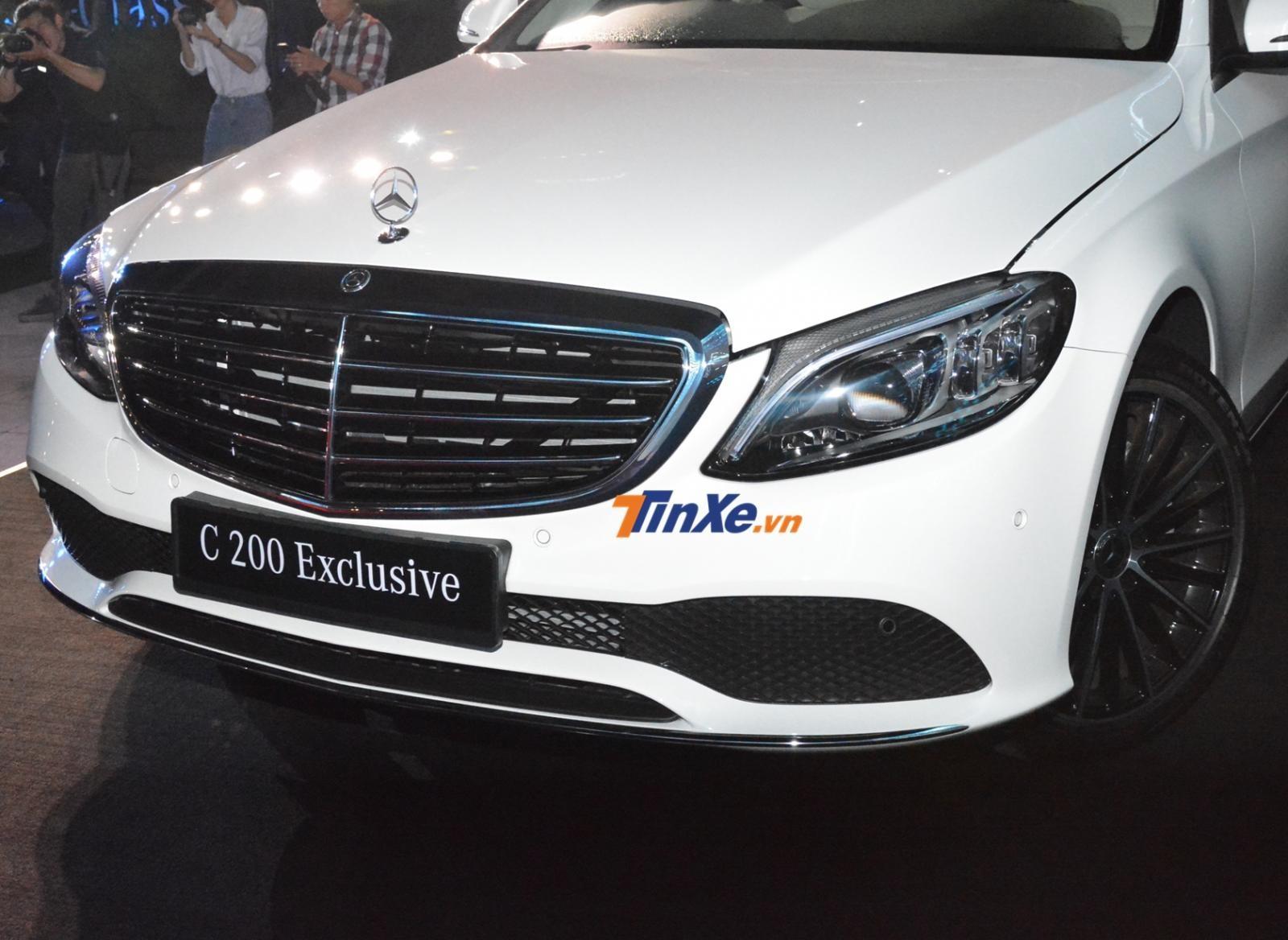 Mercedes-Benz C200 Exclusive 2019 của Ngô Kiến Huy khác biệt với Mercedes-Benz C200 2019 chính là đèn Multi-Beam LED