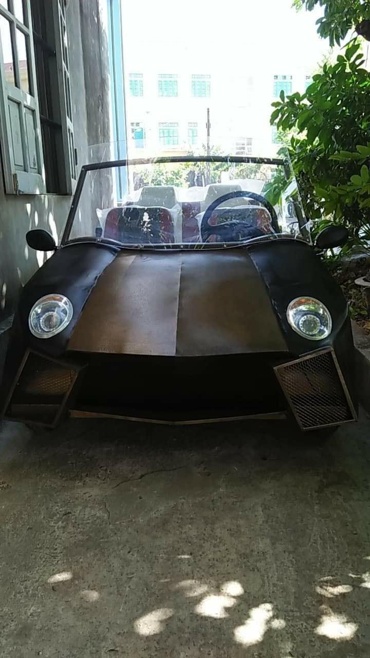 Chiếc xe ô tô điện tự chế có hình dáng khá quen thuộc.
