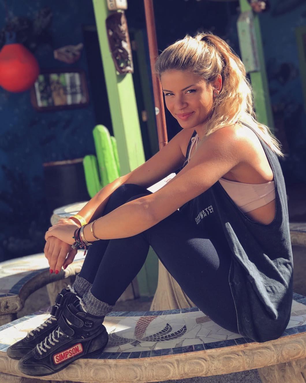 Ngắm nhìn vẻ đẹp thể thao khỏe khoắn của nữ tay đua Christine Giampaoli Zonca - 11