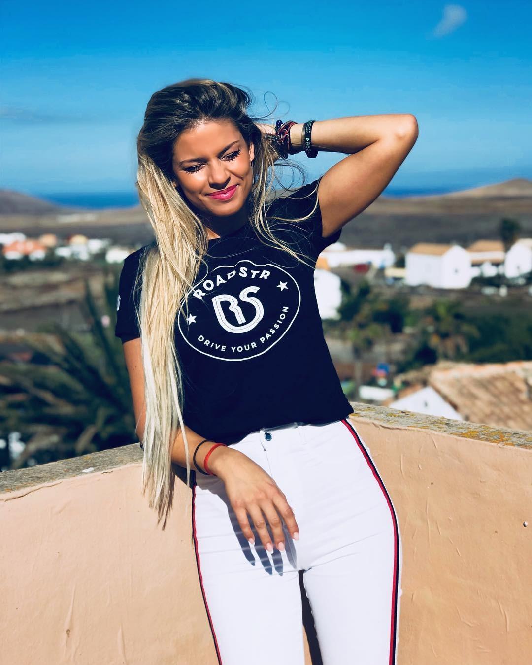 Ngắm nhìn vẻ đẹp thể thao khỏe khoắn của nữ tay đua Christine Giampaoli Zonca - 10