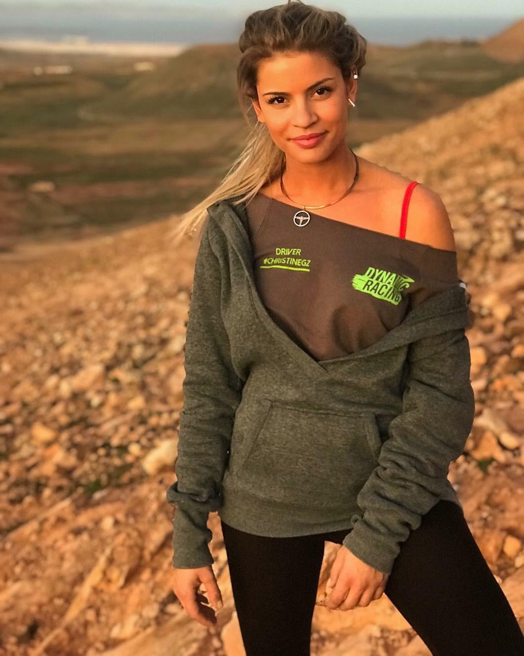 Ngắm nhìn vẻ đẹp thể thao khỏe khoắn của nữ tay đua Christine Giampaoli Zonca - 8