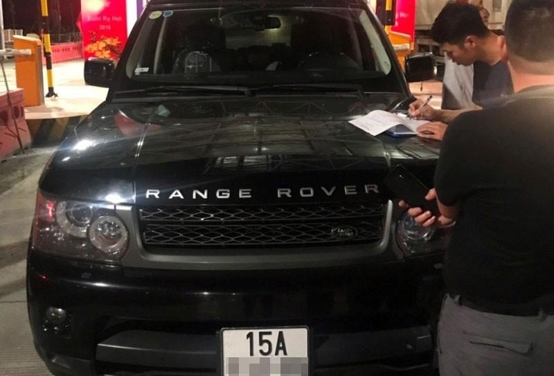 Chiếc SUV hạng sang Range Rover bị ném đá trên cao tốc Hạ Long - Hải Phòng