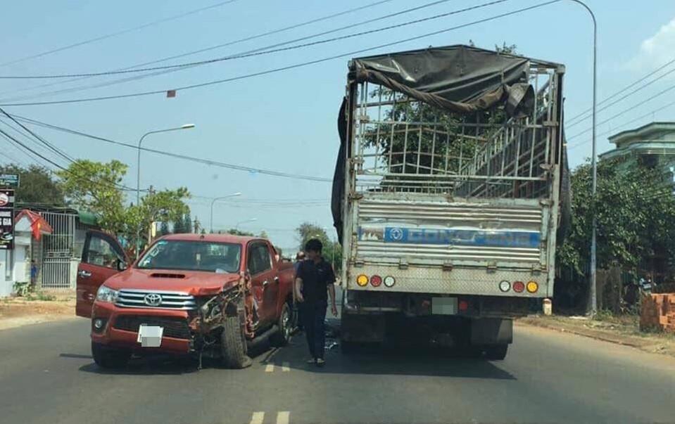 Hiện trường vụ tai nạn của chiếc Toyota Hilux