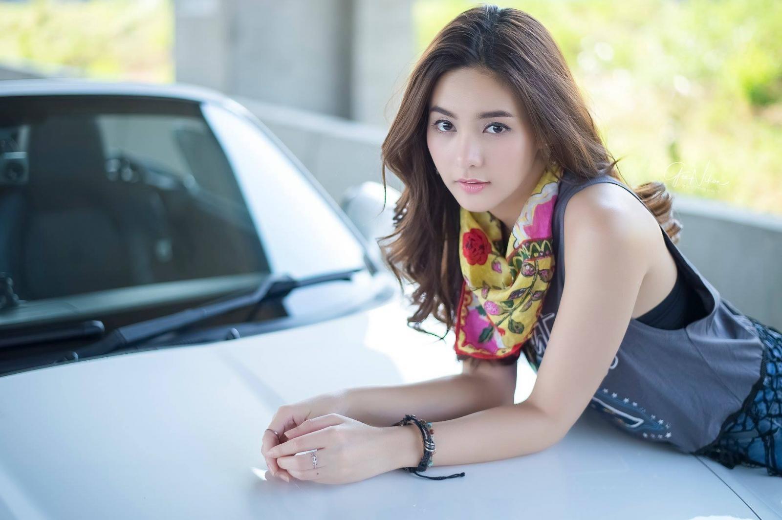 Tim đập loạn nhịp trước người đẹp Thái Lan bên Mazda mui trần - 6