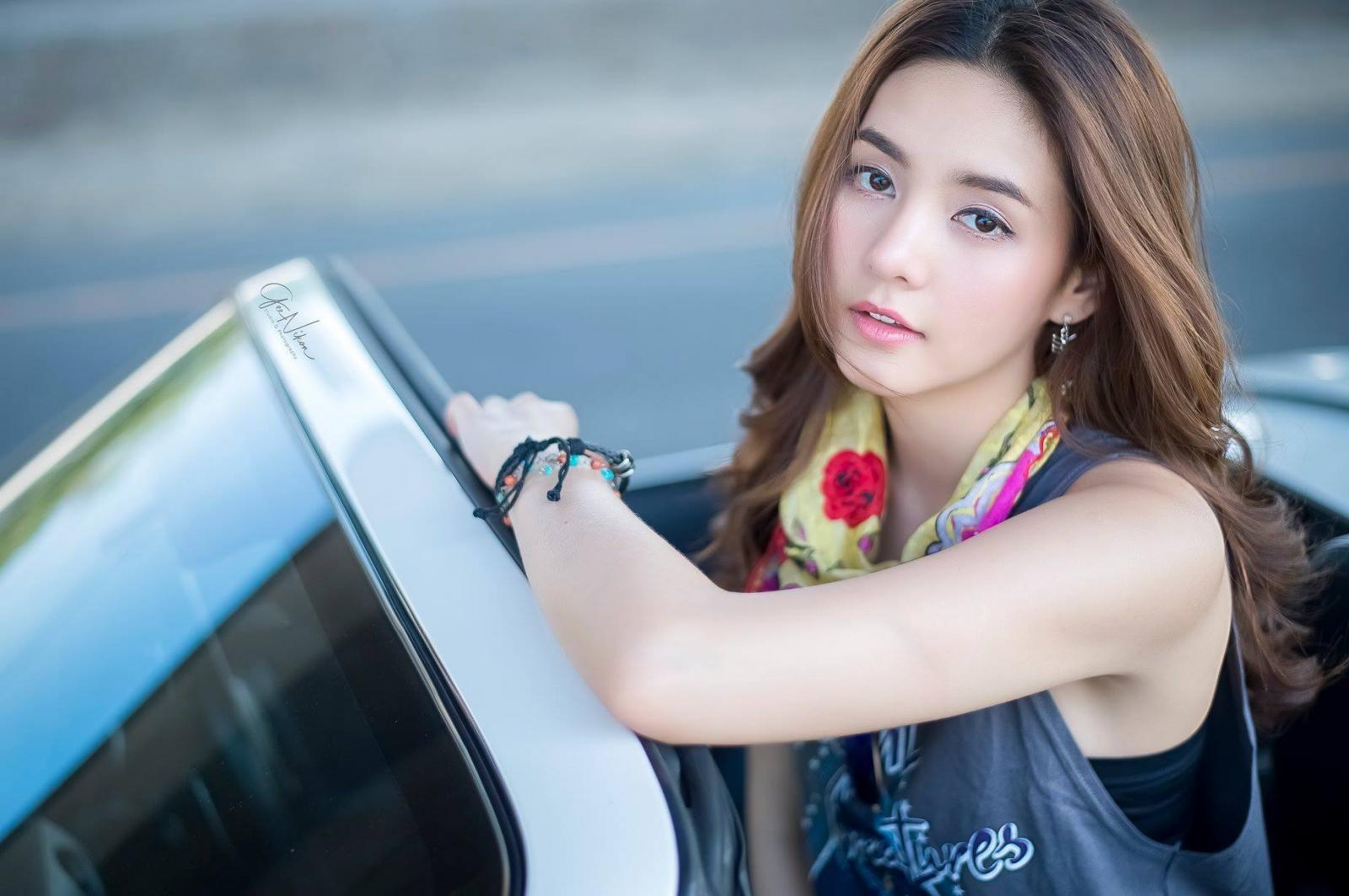 Tim đập loạn nhịp trước người đẹp Thái Lan bên Mazda mui trần - 12