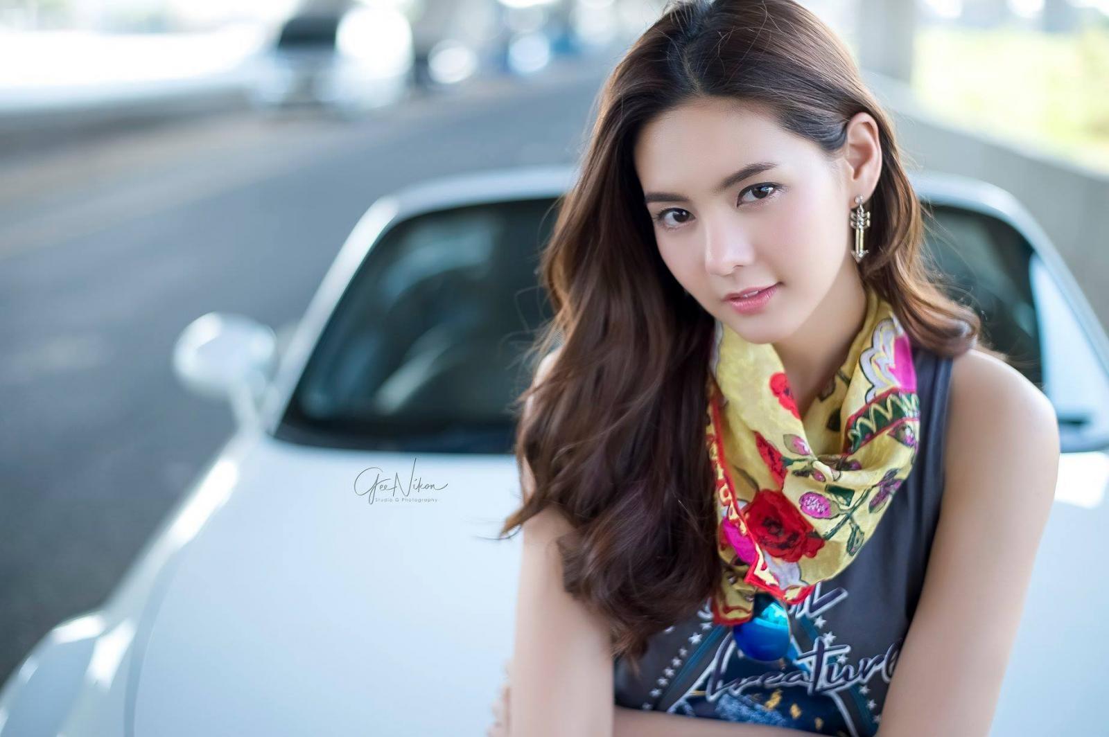 Tim đập loạn nhịp trước người đẹp Thái Lan bên Mazda mui trần - 7