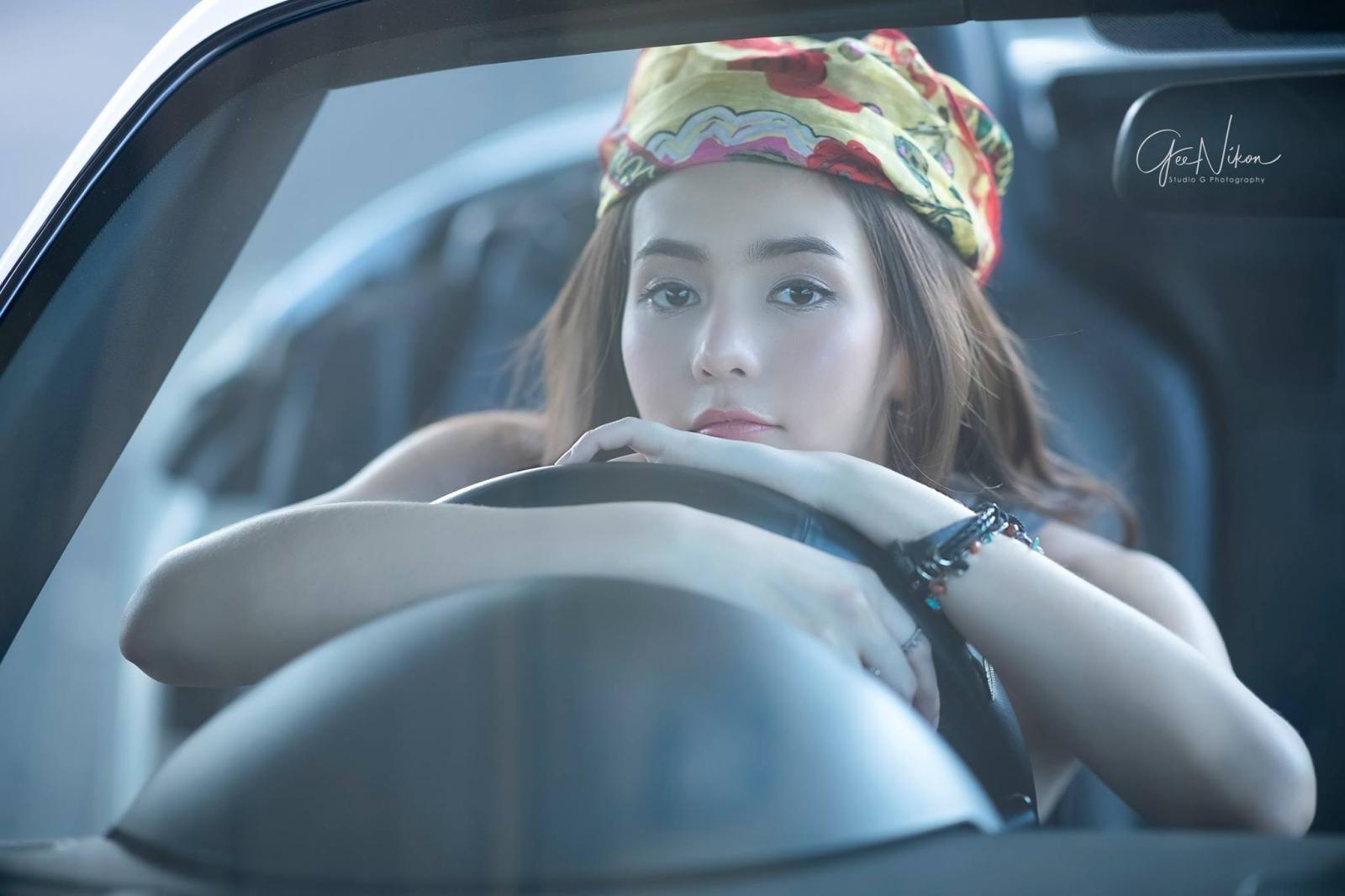 Tim đập loạn nhịp trước người đẹp Thái Lan bên Mazda mui trần - 8