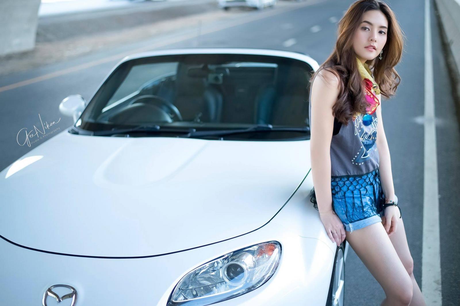 Tim đập loạn nhịp trước người đẹp Thái Lan bên Mazda mui trần - 13