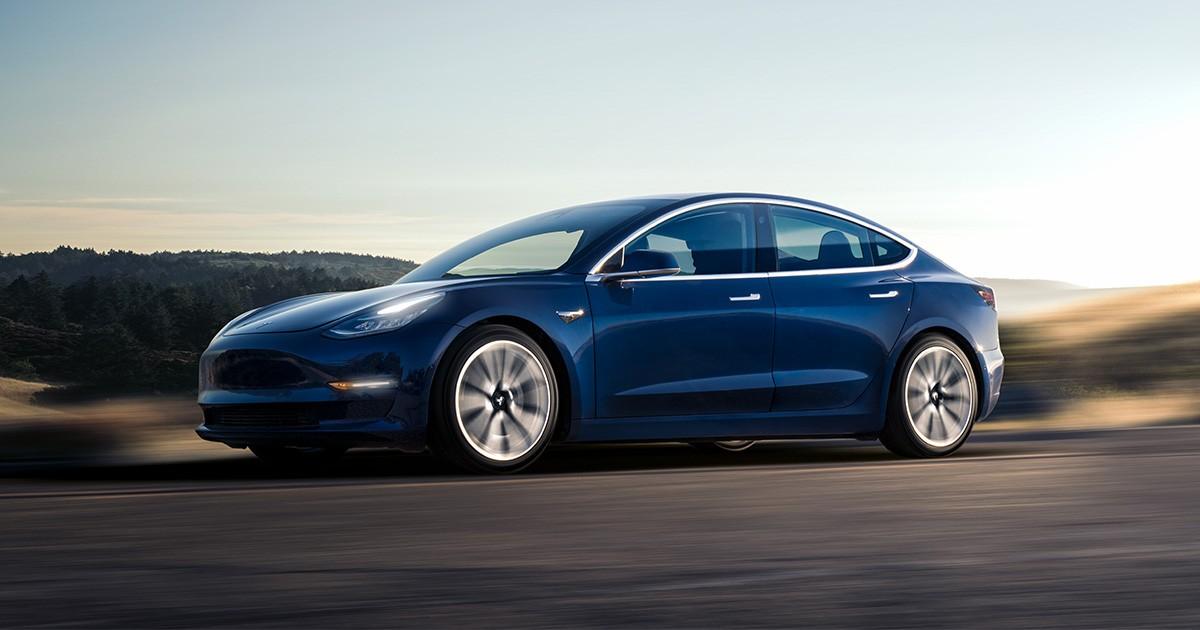 Tesla Model 3 là một trong những mẫu xe bán chạy nhất ở thị trườngMỹ