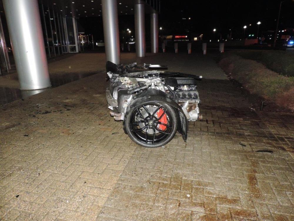 Lamborghini Huracan LP610-4 bị đứt làm đôi sau vụ tai nạn xảyraở Mỹ vào tháng 4/2018